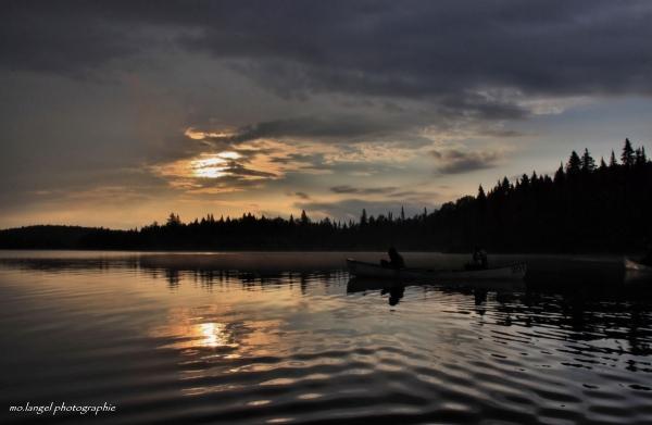 En canoé sur le lac