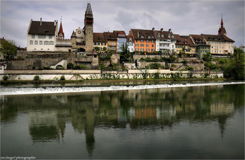 La petite ville au bord de la rivière