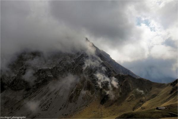 La montagne et le chalet