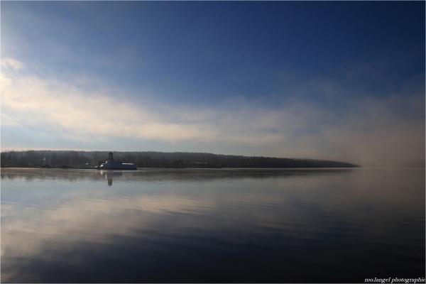 Brumes sur le lac