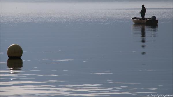 Le pêcheur du lac