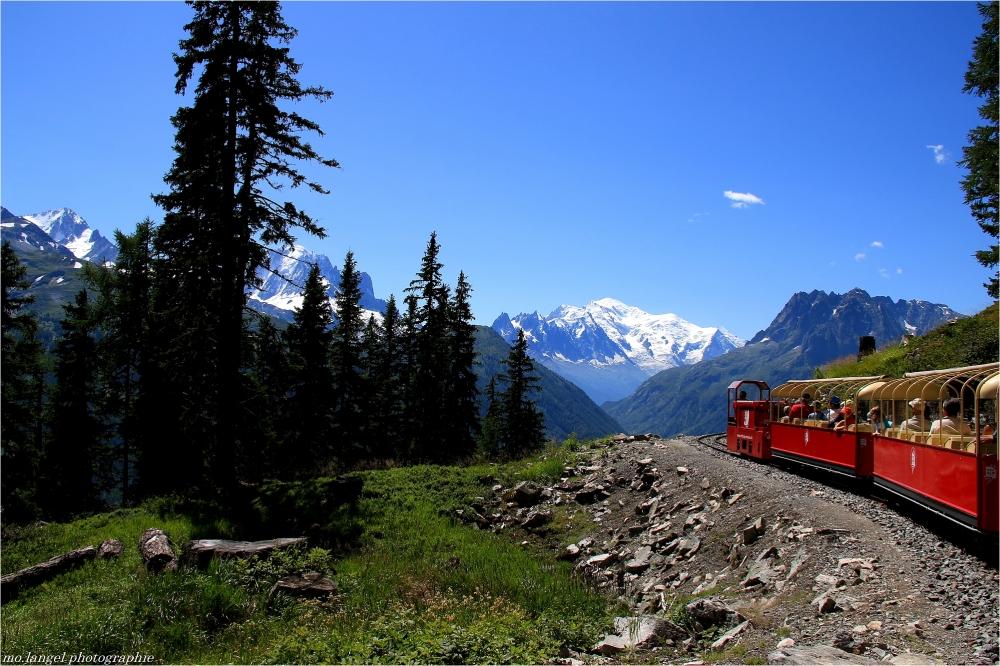Le p'tit train s'en va dans la montagne