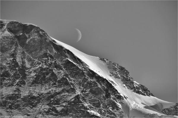 Le Moine à rendez-vous avec la lune
