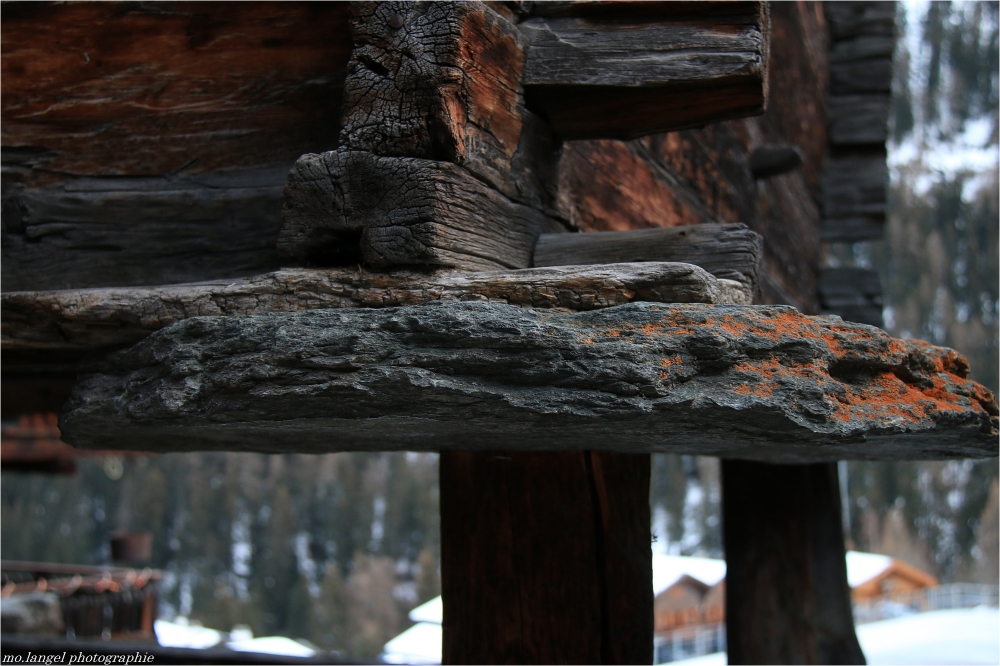 De pierre et de bois