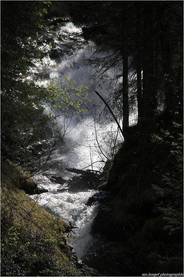 Les eaux tumultueuses