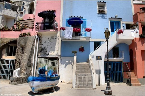 Les couleurs du village