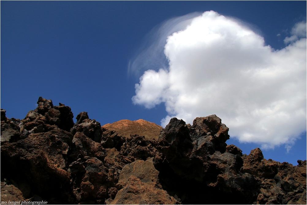 Le nuage et la lave