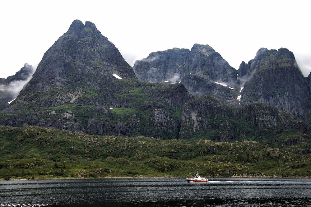 Le long du fjord