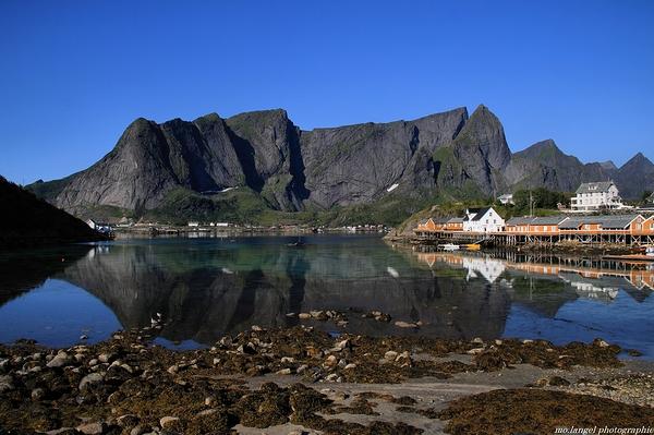 Les reflets dans le fjord