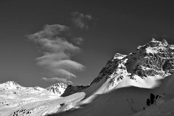 Le nuage et la montagne