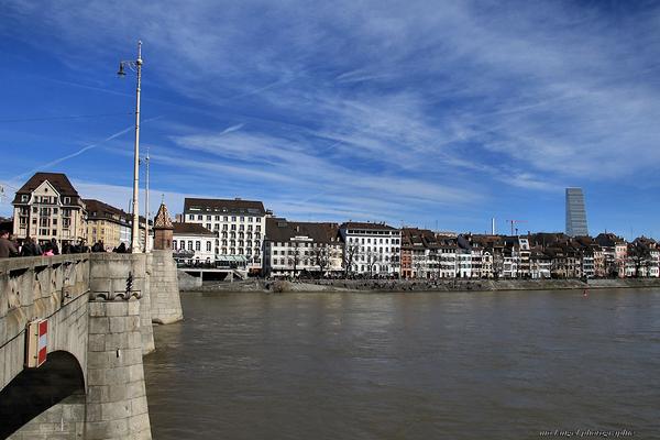 Enjamber le Rhin