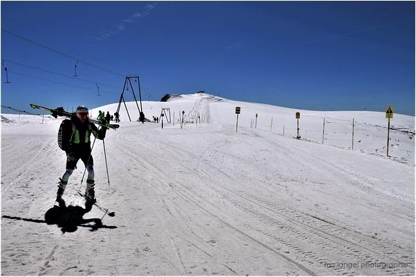 Skier sur le glacier