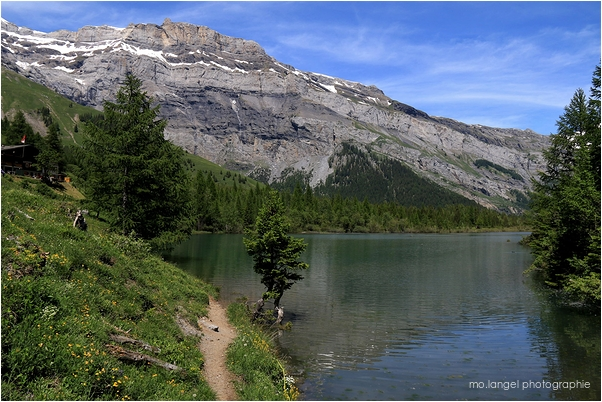 Le petit lac de montagne