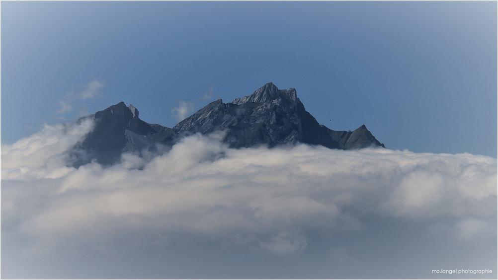 La montagne dans les nuages