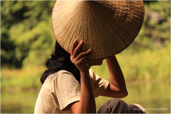 La fille au chapeau