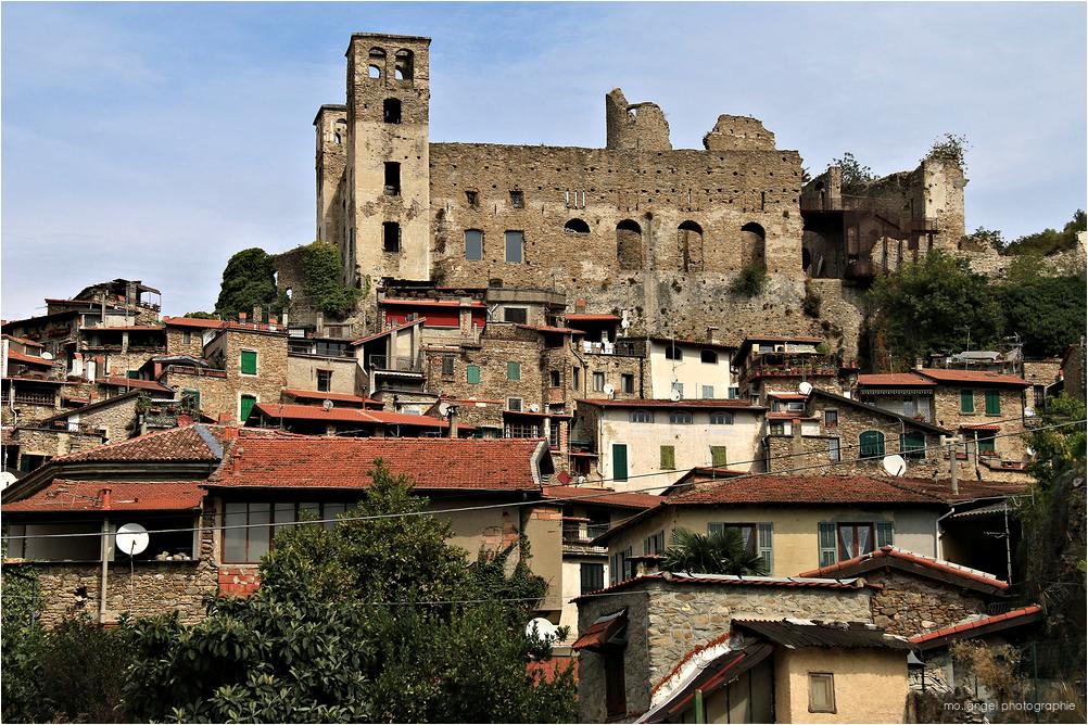 Le petit village médiéval