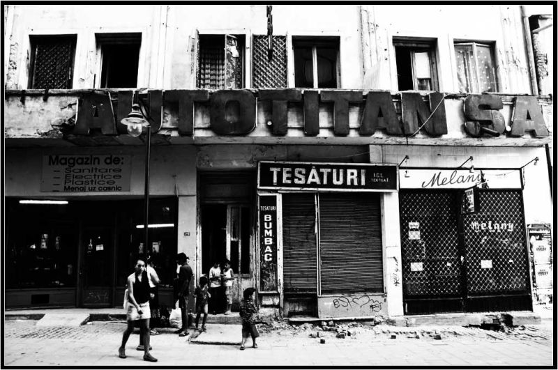 fantôme de l'histoire... - History's ghost...