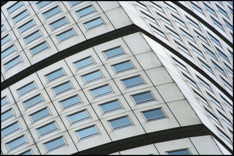 Twisting architecture
