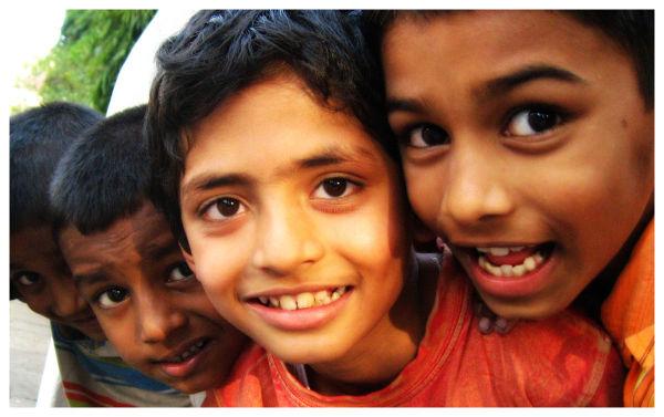 children at laxmi road in pune