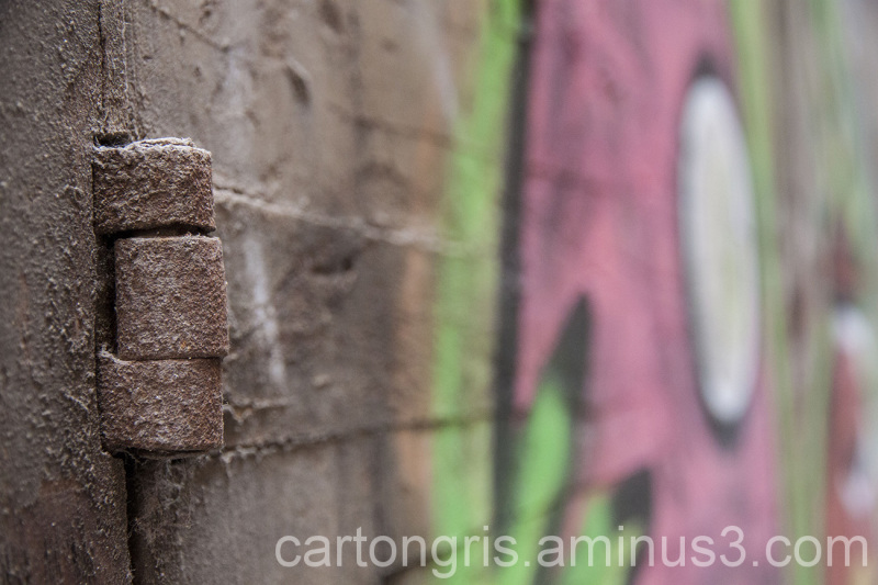 Graffiti en una puerta