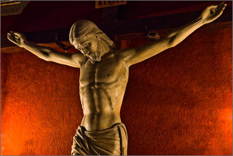 Crist  sobre vermell // Christ over red