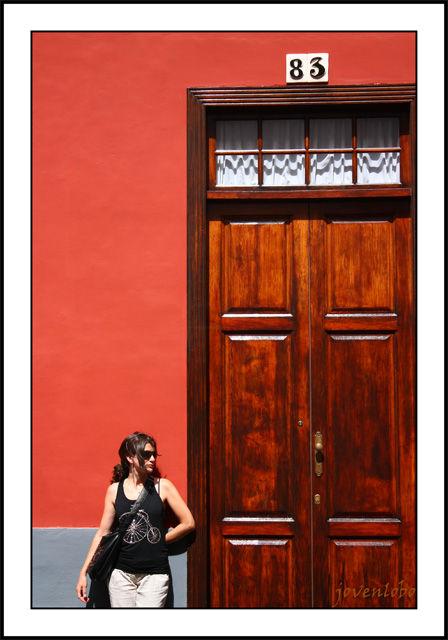 Chica-Puerta.jpg