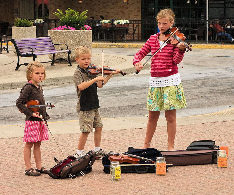 young buskers at the Kansas City Market