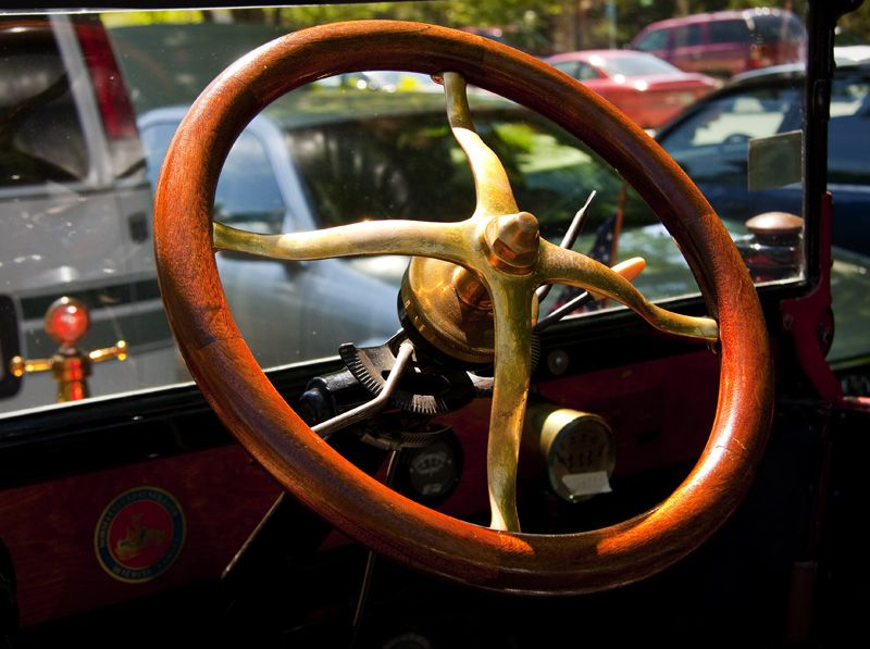 wood and brass steering wheel on ford model 7