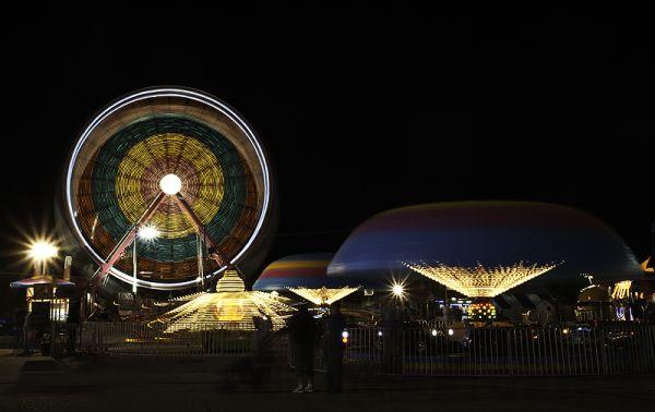rides spin at night