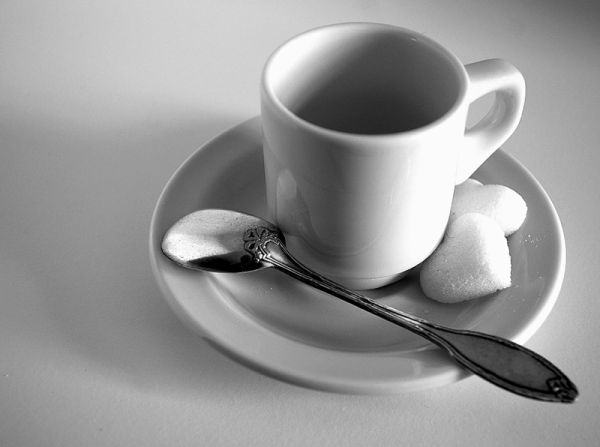 tasse blanche (white cup)