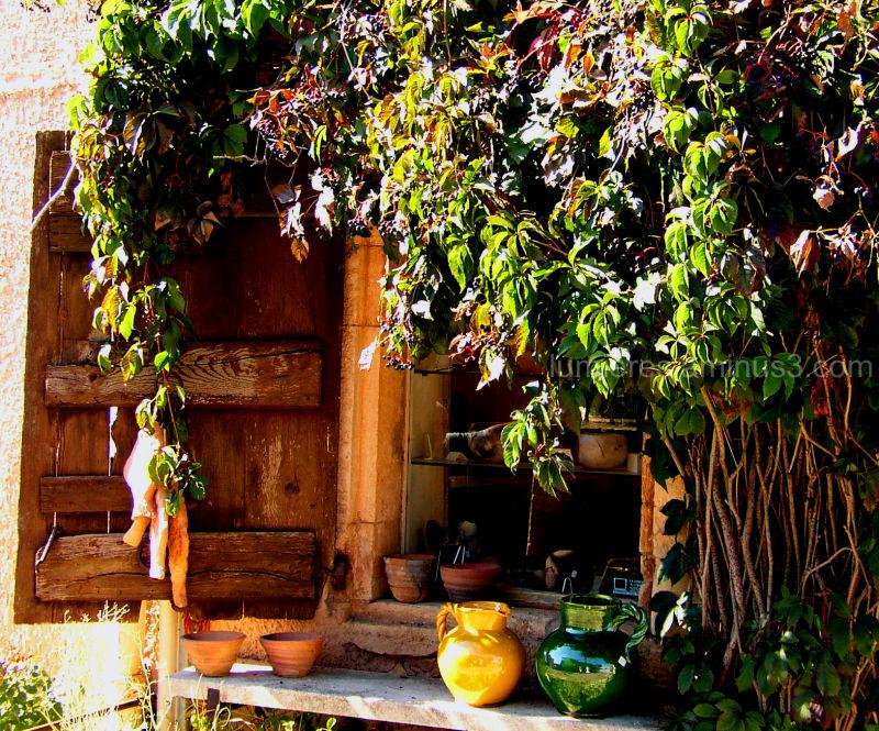 La boutique du potier ( Roussillon)