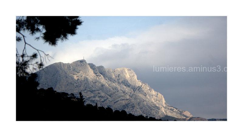 Cézanne 's mountain Saint Victoire