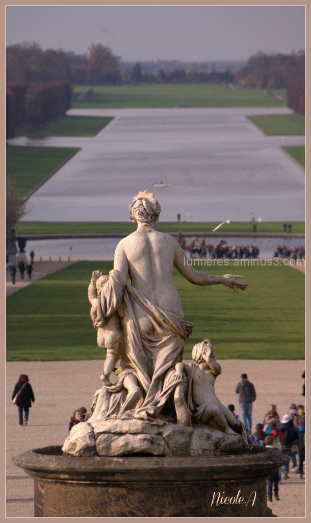 Le bassin de Latone à Versailles .