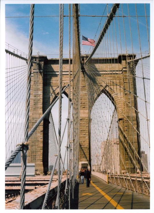 brooklyn bridge in fall
