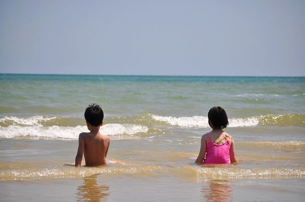 A Day At The Beach With Sister & Kids