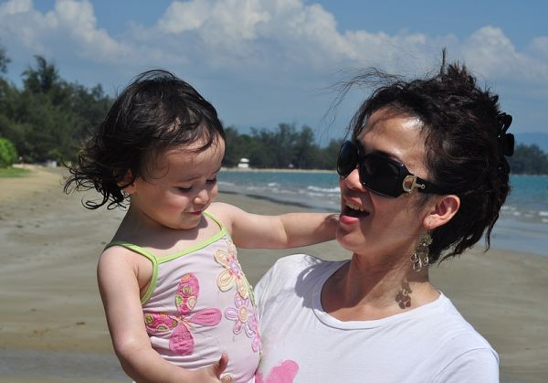 A Day At The Beach With Sister & Kids 3