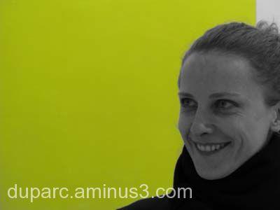 sandrine et son carré jaune