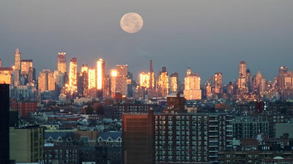 NYC Moonset