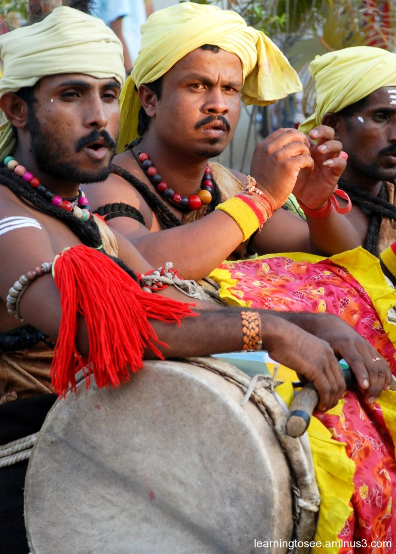 Dollu Kunitha Artists