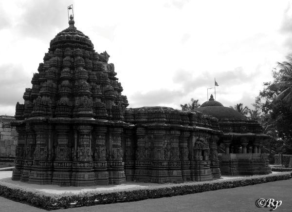 Chandramouleshwara Temple 3/5