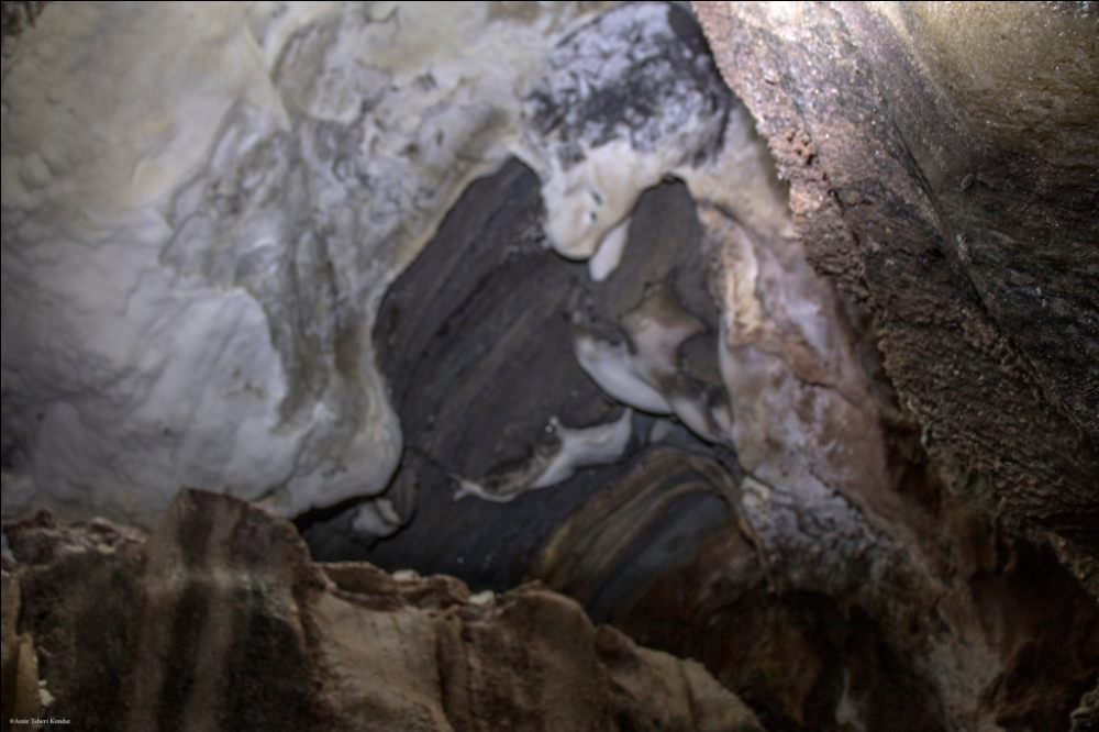 Hormoz Island - Rainbow Cave