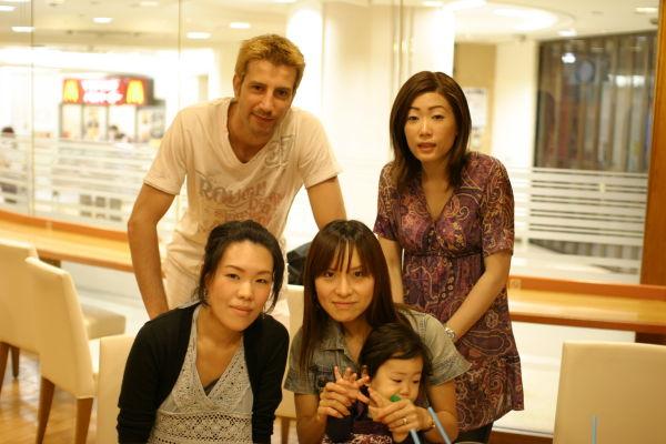 Manyo, Seiko, Hitomi, Mayo, Sumire(L->R, Top->Btm)