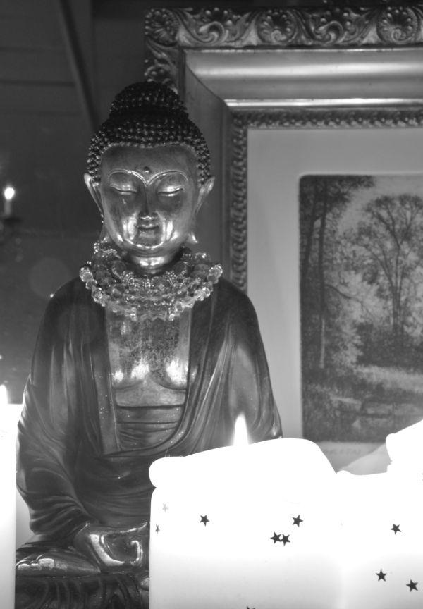 B & W Buddha