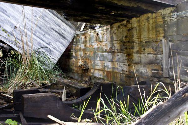 whaling ship wreckage