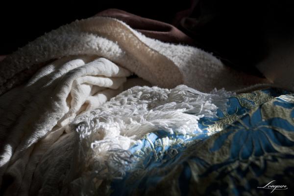 rumpled bedclothes
