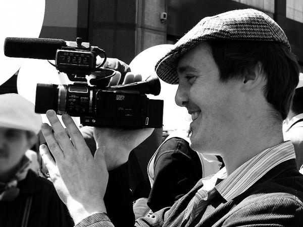 Cameraman à casquette
