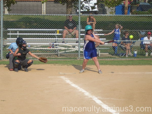 Lizzy gets her first 12u hit