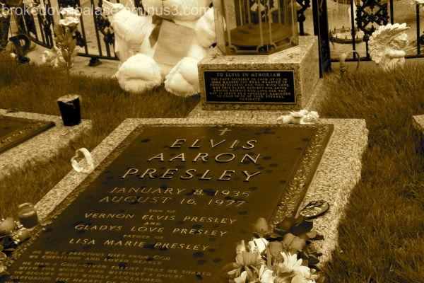 Elvis' gravesite