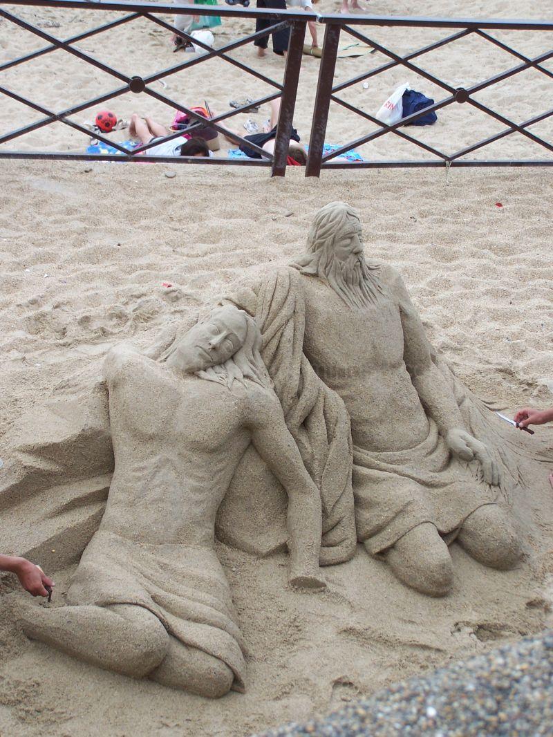 Sculpture dans le sable