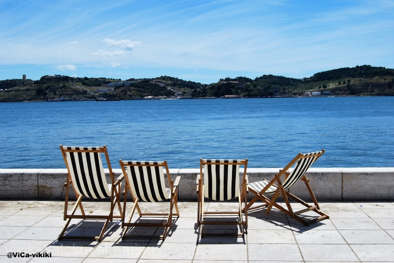 sunbath chairs, sea, chaises longues